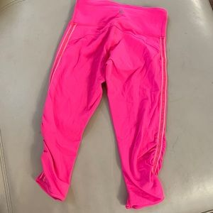 Lululemon pink Capri crop leggings 2